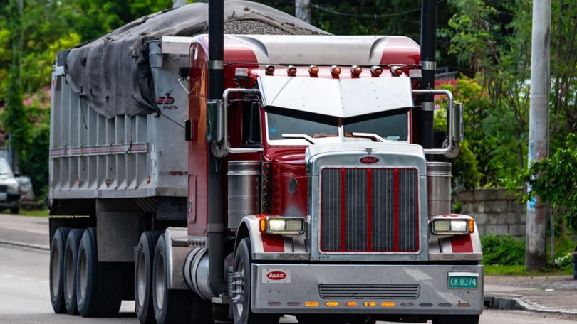How Much Does a Dump Truck Driver Make